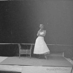 Marilyn. Ballerina sitting. Photo by Milton Greene, 1954.