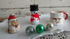 Check out this item in my Etsy shop https://www.etsy.com/listing/496365993/kitsch-retro-christmas-ornament-set
