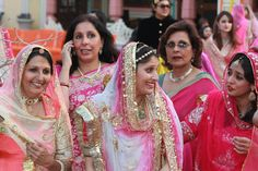 Love the pic! take a look at the lovely colors of their poshaaks!
