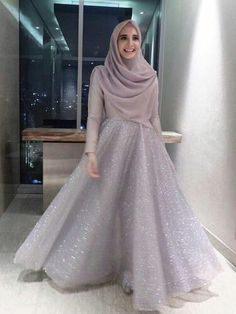 23 Ideas Dress Bridesmaid Hijab Brokat Source by . 23 Ideas Dress Bridesmaid Hijab Brokat Source by dress Hijab Prom Dress, Muslimah Wedding Dress, Hijab Style Dress, Hijab Wedding Dresses, Modest Dresses, Hijab Chic, Wedding Abaya, Dress Muslimah, Hijab Gown