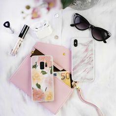 Persoonalliset ja kauniit Inkit-suojakuoret yksinoikeudella vain meiltä  #puhelimenkuoret #inkitcase #phonecase #flowerprint #marble #design #suojakuori #flatlay #bossbabe #designer #puhelin #inkit #pinkki #pink #kaunis #raikas #airpodspro #girly #marmori #kukka #kukat Sissy Maid, Mens Glasses, Wow Products, Ipad Air, Boss Babe, Flower Prints, Iphone 4, Sunglasses Case, Aqua