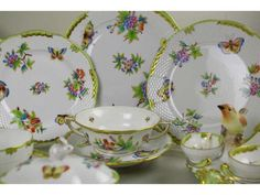 Herend Queen Victoria - beautiful bone china is such a joy when you see it on the dinner table.