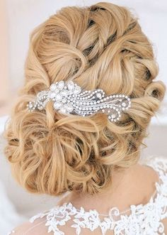 Best Wedding Hairstyles : Featured Hairstyle: Elstile; www.elstile.com