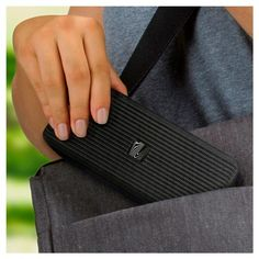 Soundfreaq Pocket Kick Wireless Speaker with Built-In Amplification - Black (Sfq-10)