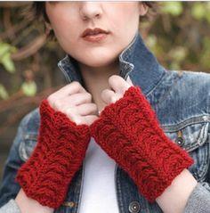 Fingerless Mitts pattern + #12DaysofXmas @WEBS America's Yarn Store giveaway