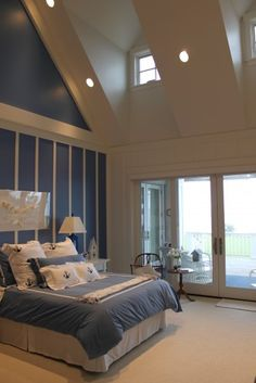 A strong and increasingly popular trend in both fashion and interior design, the nautical theme is one that can be easily recreated in any bedroom.