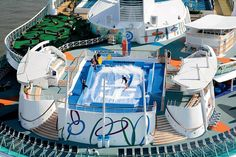 Royal Caribbean Freedom of the Seas ship picture