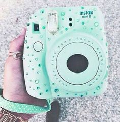 Super cute decorating of instax mini 8 camera! Instax Mini 8 Camera, Poloroid Camera, Polaroid Instax, Fujifilm Instax Mini 8, Mini Polaroid, Photo Kawaii, Camara Fujifilm, Vsco Tumblr, Cute Camera