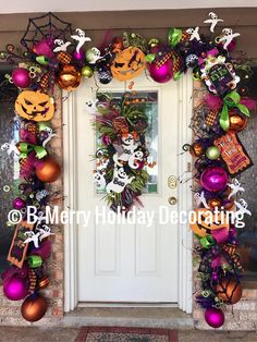 Halloween Front Doors, Halloween Window, Halloween Garland, Scary Halloween Decorations, Halloween Porch, Halloween Home Decor, Outdoor Halloween, Halloween Projects, Holidays Halloween