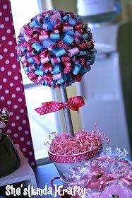 She's {kinda} Crafty: Wreaths