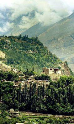 Valle de Hunza desde la ciudad de Karimabad,,, Pakistan