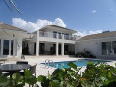 Williams² Cayman Islands Real Estate - KOSTA BODA HOME- CRYSTAL HARBOUR