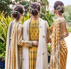 We've dipped our brushes in sunlit skies and plunged into the joys of summer gardens. Floral delights are embedded in our collection this… Pakistani Couture, Indian Couture, Pakistani Outfits, Indian Outfits, Anita Dongre, Indian Look, Indian Ethnic, Indian Hairstyles, Wedding Hairstyles