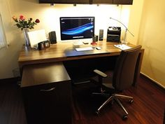 "My new desk,new chair,Apple 27"" LED,umbp 15"" i7 2.66Ghz-8GB ram-500GB hdd-hi res-antiglare,wd 2TB MyBook Studio,samsung G3 1TB,iPhone 4 16GB,Apple usb keybaord,Apple magic mouse,etc.....(Macbook Air 11.6"" ultimate is coming soon)"