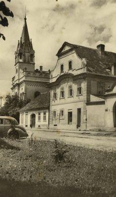 zuš Czech Republic, Mansions, House Styles, Places, Home Decor, Bohemia, Decoration Home, Manor Houses, Room Decor