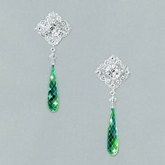 Les charmes de Circé #highjewelry#jewelry#earrings#emerald#precious#mysterious#personalwork#jewelrydesign#gouache#handpainted#jewelryaddict#luxury#jewelryart#diamonds#inspiration#jewelryrendering#traditionalpainting#frenchdesigner#gouachepainting#art