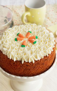 The 11 Best Easter Cupcake Recipes Sponge Cake Recipes, Cupcake Recipes, Mini Cakes, Cupcake Cakes, Carrot Cake Decoration, Carrot Cake Cheesecake, Easter Cupcakes, Savoury Cake, Cakes And More