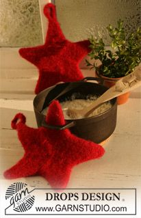 "2 felted star-shaped DROPS Christmas pot holders/oven gloves in ""Eskimo"". pattern"