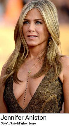 Oh, Jennifer! Jennifer Aniston Dress, Jeniffer Aniston, Jennifer Aniston Pictures, Beautiful Celebrities, Beautiful Actresses, Gorgeous Women, John Aniston, Beauté Blonde, Celebrity Beauty