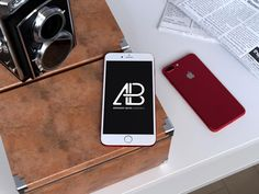 スマートフォンを取り入れたモックアップにはいろいろな種類が存在しており、すでに取り入れて活用されている方も多いのではないでしょうか。そんな中今回は、ぜひストックに加えておきたい、デザイン性の高いiPhone用モックアップを集めた「20 Free Photorealistic iPhone Mockups for Your Mobile Designs」を紹介します。