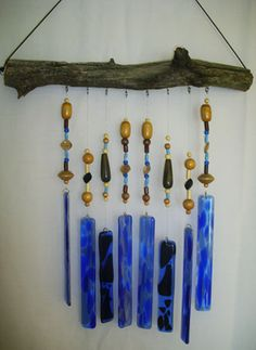 Wind chimes - This would be awesome using sea glass and driftwood. Glass Wind Chimes, Diy Wind Chimes, Fused Glass Art, Stained Glass Art, Key Decorations, Wow Art, Glass Design, Mosaic Art, Suncatchers