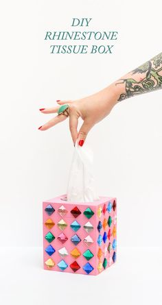 A DIY tissue box for people who want ALL of their belongings to be glam.