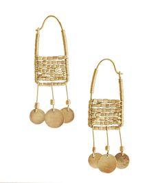 Shompole gold earrings made by the Masai Boucles d'oreilles Shompole en or faites par les Masaï Tribal Jewelry, Boho Jewelry, Jewelry Art, Beaded Jewelry, Jewelry Accessories, Handmade Jewelry, Fashion Jewelry, Jewelry Design, Unique Jewelry