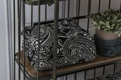 Más en www.lamallorquina.com Room, Furniture, Home Decor, Duvet Covers, Yurts, Colors, Homemade Home Decor, Rooms, Home Furnishings
