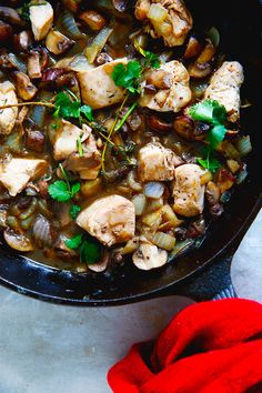 One-Pan Chicken in Mushroom Sauce by @Lexiscleankitch