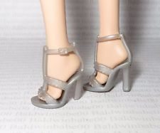 SHOES (C)~BARBIE BASIC DOLL MODEL MUSE LIGHT SILVER GRAY STRAP SANDALS HIGH HEEL
