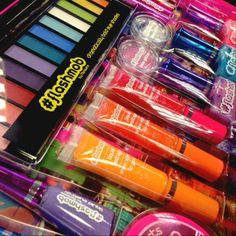 Este verano que no falte #color #maquillaje #belleza #neon