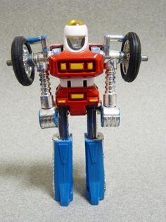 Cy-Kill RenegadeGo-Bot leader in robot mode Vintage Toys 80s, Retro Toys, Retro Games, Childhood Toys, Childhood Memories, Cool Toys, Awesome Toys, Japanese Robot, Old School Toys