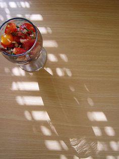 Tomatensalat mit Wiesenlabkraut