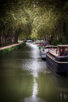 Canal du Midi Canal Du Midi, Belle France, Toulouse France, Canal Boat, Narrowboat, French Countryside, Beautiful Places In The World, France Travel, Wonders Of The World