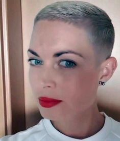Short Blonde Haircuts, Edgy Short Hair, Really Short Hair, Short Hair Cuts, Short Hair Styles, Pixie Cuts, Long Hair, Pixie Hairstyles, Short Hairstyles For Women