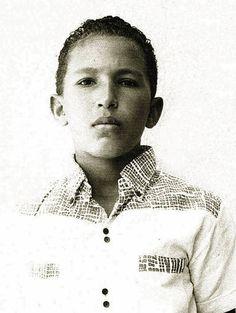 La vida de Chávez, en imágenes - RTVE.es.  Especial informativo: http://www.rtve.es/noticias/muere-hugo-chavez/