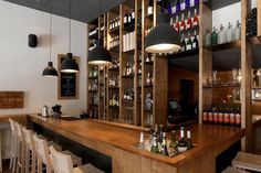 ELDISET Bar de vinos.  Antic de Sant Joan 3. Barcelona