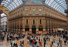 Go for shopping:Visiting the Italian fashion mecca is the best at the end of January - when discounts accumulate.  #shopping #fashion and beauty #models #beauty bit.ly/1IUkrrX
