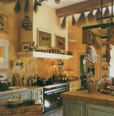 Wine Decorating Theme For Kitchen - Feed Kitchens wine kitchen decor ideas - Kitchen Decoration French Kitchen Decor, French Country Kitchens, Old Kitchen, French Decor, French Country Decorating, Rustic Kitchen, Rustic French, Warm Kitchen, Kitchen Walls