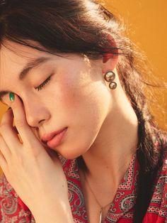 日本人の肌にもちゃんとなじむブロンザーの使い方を伝授。夏っぽいヘルシーなテラコッタメイクをお楽しみあれ! Kiss Face, Japanese Makeup, Eye Make Up, Vintage Hairstyles, Natural Makeup, Asian Girl, Beauty Makeup, Drawing Practice, Portrait