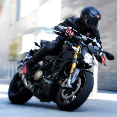 Ducati Street Fighter, please take me away to some far away city where I can lay on the beach all day