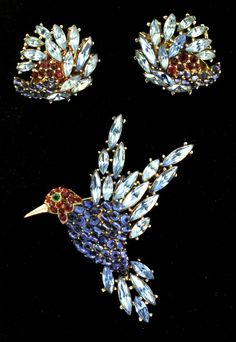 Vtg Philippe TRIFARI Bird Figural Rhinestone Cabochon Pin Brooch & from thedealhuntress on Ruby Lane..