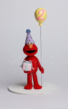 Elmo Topper by Rouvelee's Creations' Sesame Street Cupcakes, Sesame Street Cake, Sesame Street Birthday, Cake Topper Tutorial, Fondant Tutorial, Fondant Cake Toppers, Cupcake Cakes, Biscuit, Elmo Cake