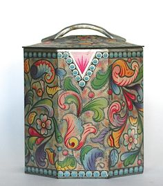Baret ware tin made in england eight sided paisley Metal Box, Metal Tins, Vintage Stuff, Vintage Items, Enamel Ware, Vintage Trunks, Tin Art, Tin Containers, Tea Caddy