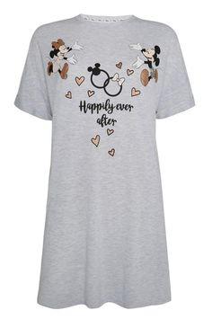 Absolutely Darling Disney Bridal Pajamas from Primark Cute Pajama Sets, Cute Pjs, Cute Pajamas, Pajamas Women, Primark Pyjamas, Fandom Outfits, Emo Outfits, Disney Couple Shirts, Disney Themed Outfits