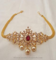 Very attractive and admired by every one, so l do not take off my arm at all.It relives my stress. Gold Bangles Design, Gold Jewellery Design, Vanki Designs Jewellery, Gold Jewelry Simple, Jewelry Patterns, Indian Jewelry, Wedding Jewelry, Fashion Jewelry, Chocker