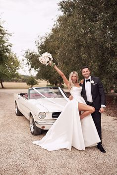 Wedding Send Off, Wedding Goals, Wedding Pictures, Perfect Wedding, Dream Wedding, Wedding Day, Top Wedding Photographers, Wedding Dress Trends, Wedding Dresses