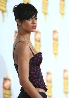 Rihanna | 17 Stars Who Can Thank Their Hair For Jump-Starting Their Careers | Bustle