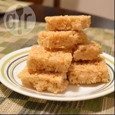 No marshmallow crispy treats butter cup sugar 2 tablespoons honey 1 teaspoon vanilla 5 cups rice bubbles Rice Bubble Cake, Rice Bubble Recipes, Rice Bubble Slice, Sweet Recipes, Cake Recipes, Snack Recipes, Cooking Recipes, Cereal Recipes, Appetizer Recipes