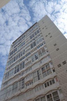 Antonio Bonet Galeria y Rascacielos Rivadavia, Mar del Plata 1957-61